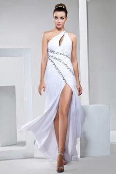 Sexy robe blanche pour soirée asymétrique orné de strass avec fente cuissarde