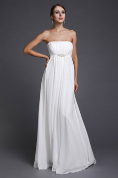 Simple robe blanche longue bustier droit empire